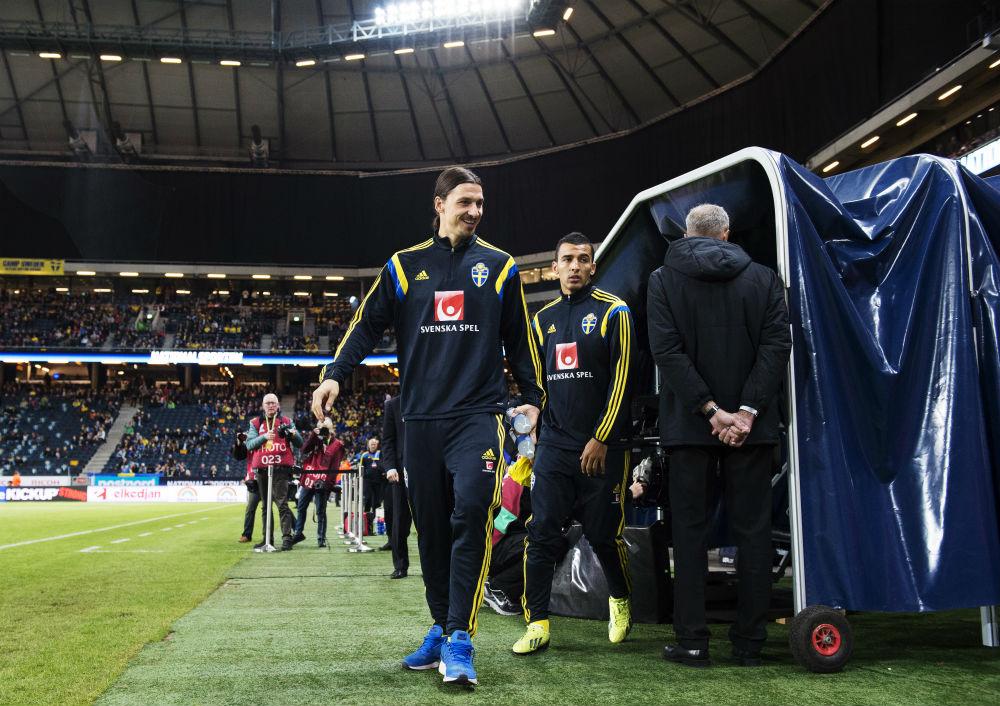 Tillsammans med Zlatan Ibrahimovic inför EM-kvalet mellan Sverige och Liechtenstein den 12 oktober 2014. Foto: Joel Marklund / BILDBYRÅN