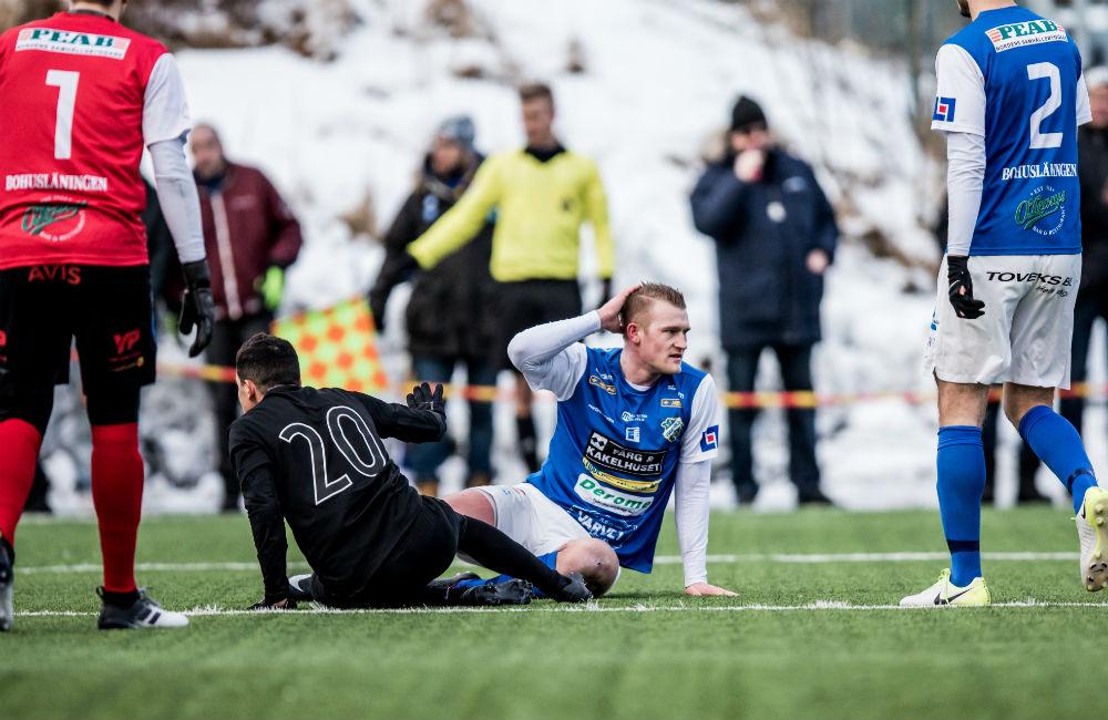 Robin Jansson i Oddevold-tröja mot AIK i Svenska cupen