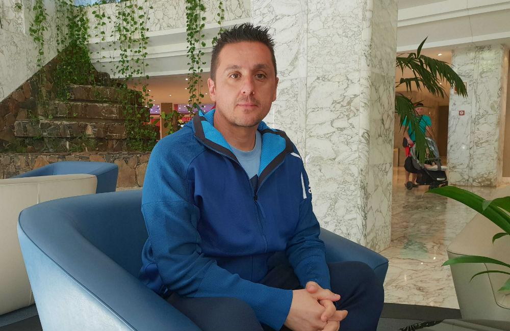 Från taxichaffis till elitfotbollen – Fotboll Sthlm möter Nikos Gkoulios