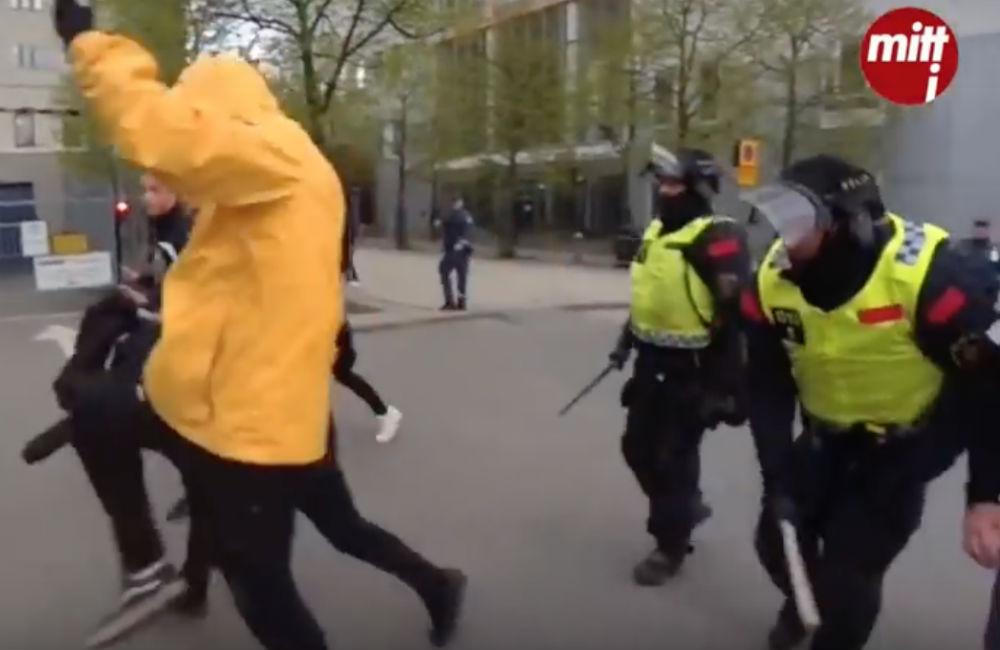 Oskar Månsson: Har du blivit slagen av en polis? Skyll dig själv!