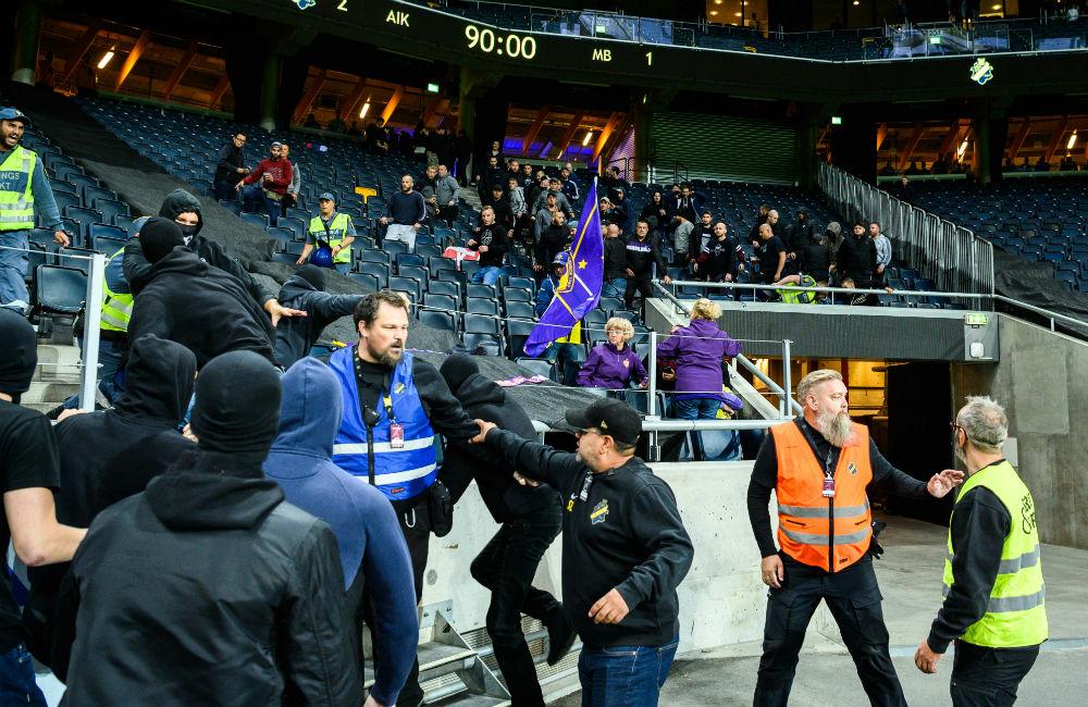 """Hårda straff väntar AIK efter tumultet: """"Beklaglig situation"""""""